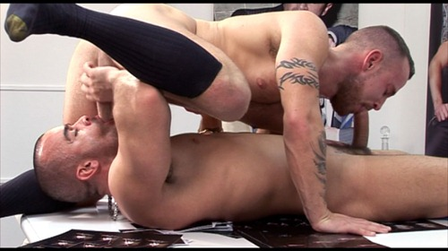 menatplay-ben-brown-in-a-crazy-69