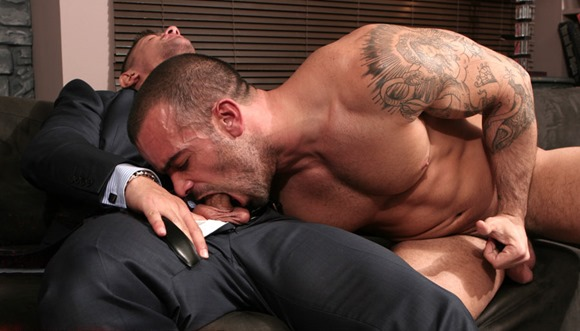 menatplay-hot-guy-deepthroating-a-cock