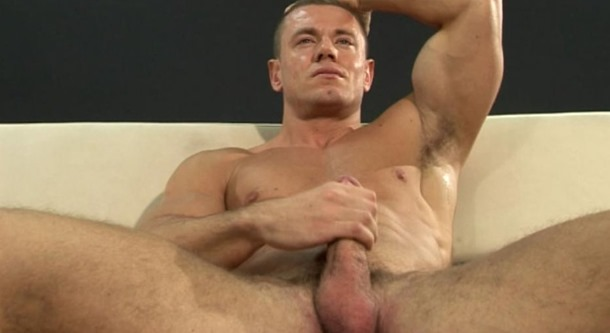 jerking-off-his-cock-at-menatplay